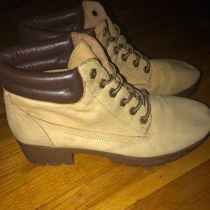 Aldo boots. Size 10 women.